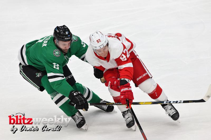 Stars-vs-Red-Wings-26
