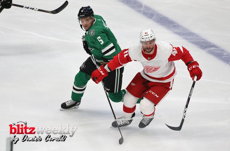 Stars-vs-Red-Wings-34