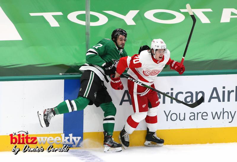 Stars-vs-Red-Wings-42