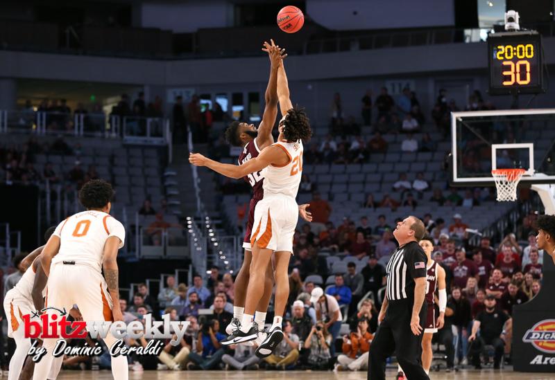 Texas-vs-Texas-AM-NCAABB-17