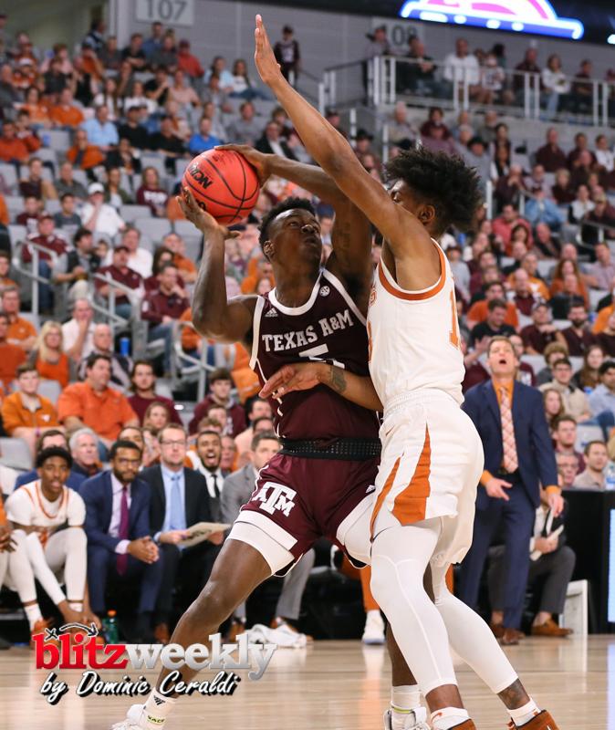 Texas-vs-Texas-AM-NCAABB-21