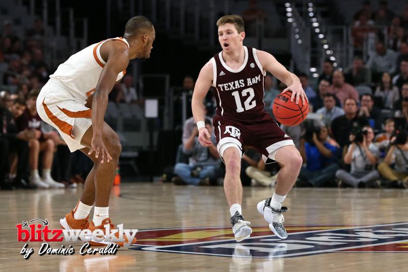 Texas-vs-Texas-AM-NCAABB-25