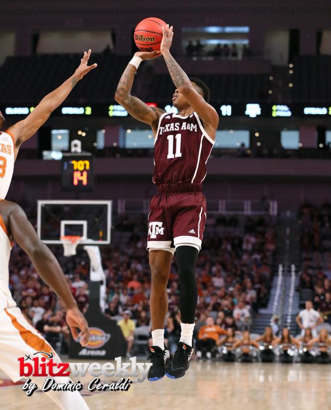 Texas-vs-Texas-AM-NCAABB-34