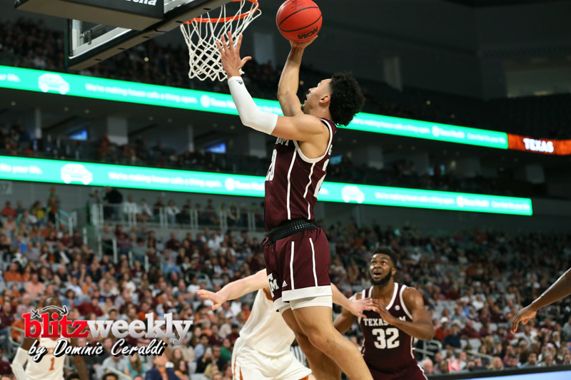 Texas-vs-Texas-AM-NCAABB-36