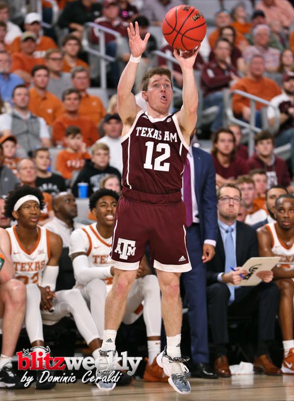Texas-vs-Texas-AM-NCAABB-41