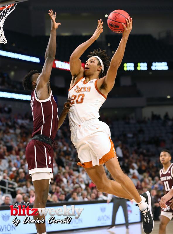Texas-vs-Texas-AM-NCAABB-43