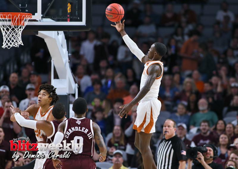 Texas-vs-Texas-AM-NCAABB-48