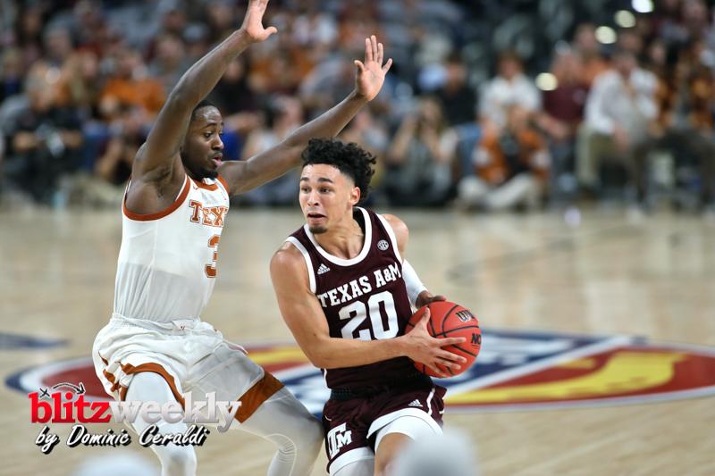 Texas-vs-Texas-AM-NCAABB-57