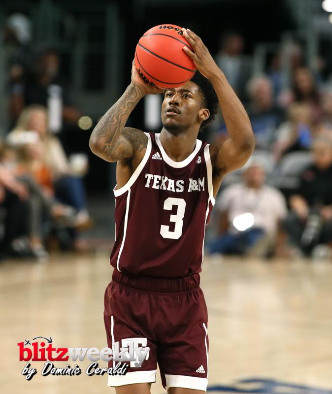 Texas-vs-Texas-AM-NCAABB-60