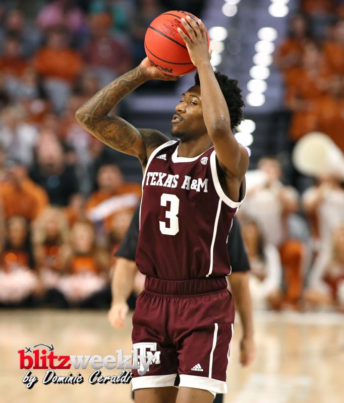 Texas-vs-Texas-AM-NCAABB-62