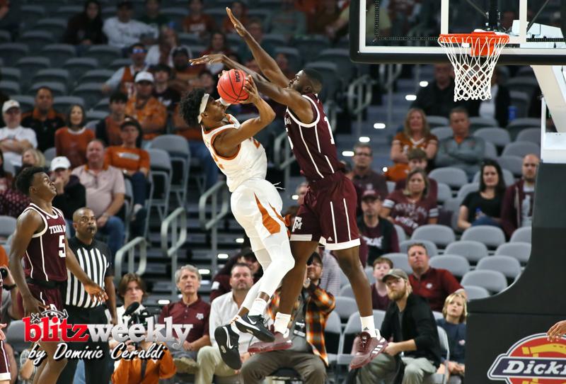 Texas-vs-Texas-AM-NCAABB-66