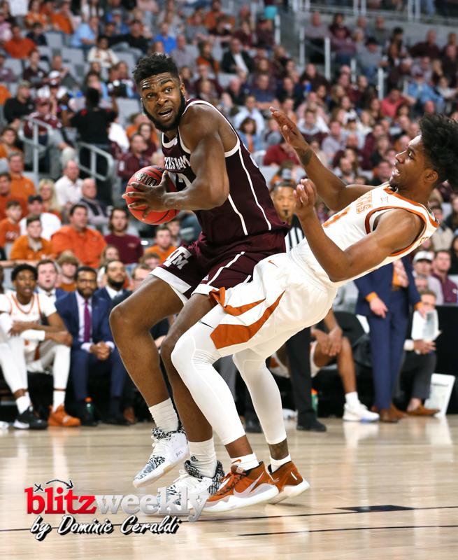 Texas-vs-Texas-AM-NCAABB-8