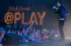 The performance by Nick Jonas at the Hilton Anatole was the first time an entire live performance was broadcasted on Twitter and Periscope. Photo Courtesy: Cooper Neill / Getty Images