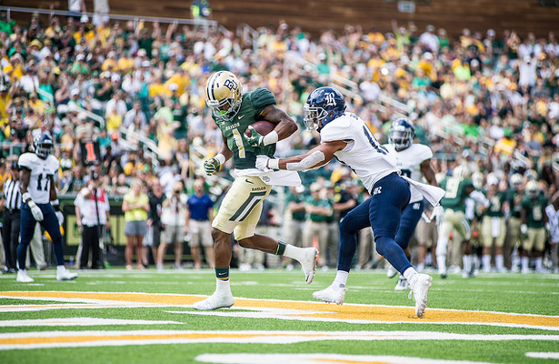 Baylor Bears WR Corey Coleman had a nice day against Rice, hauling in 6 passes for 100 yards and 3 touchdowns. Photo Courtesy: Matthew Lynch