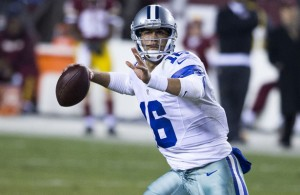 Dallas Cowboys QB Matt Cassel will have to make wise decisions against the Green Bay Packers on Sunday. Photo Courtesy: Keith Allison