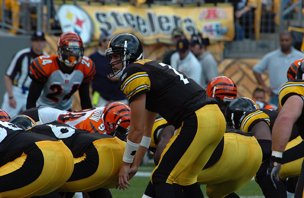 Ben Roethlisberger and the Pittsburgh Steelers will have their hand full taking on the Cincinnati Bengals. Photo Courtesy: SteelCityHobbies