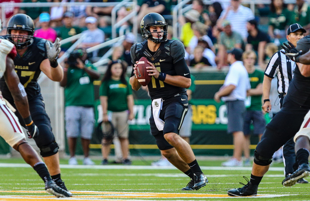 Baylor Bears quarterback Zach Smith (11) looks downfield for an open receiver during the game between the Baylor Bears and the Oklahoma Sooners on September 23, 2017 at McLane Stadium in Waco, Texas. Oklahoma defeats Baylor 49-41. (Photo by Matthew Pearce/Icon Sportswire)
