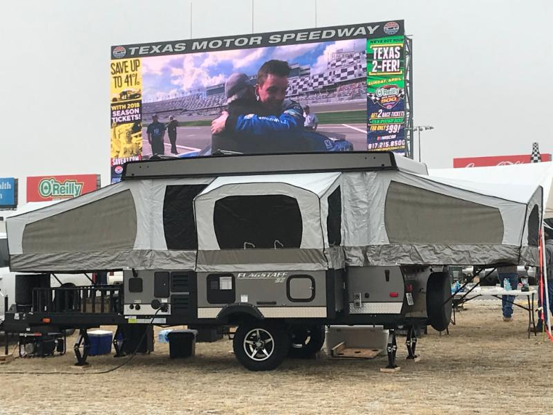 Nearly 5 000 Fans Take Part In World S Largest Daytona 500 Watch